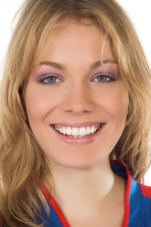 teeth discreetly with invisalign