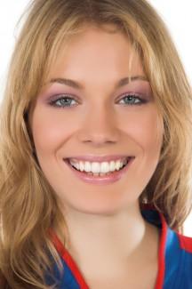 teeth discreetly with invisalign